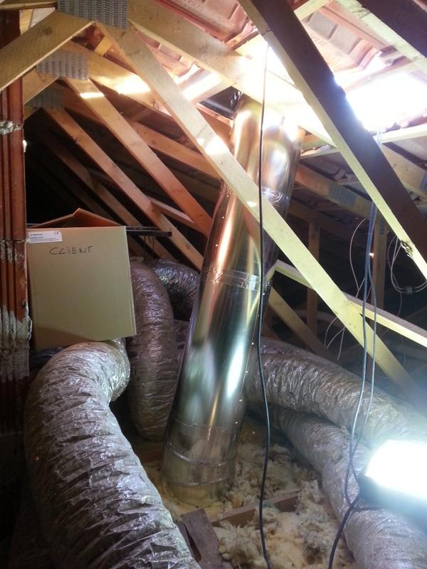 Pose de 3 puits de lumi re salon cuisine couloir for Apporter lumiere piece sombre
