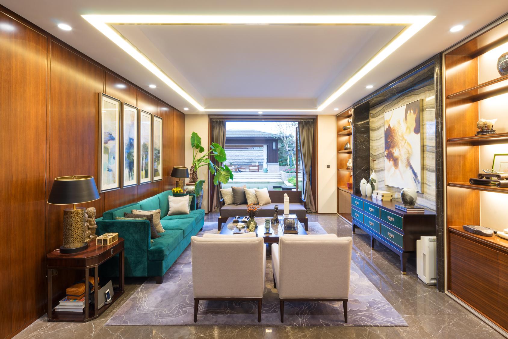 Lumiere-Juliens-Wood-plafond-et-mur-tendu-isolation-montpellier-herault-2